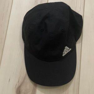 Like new black Adidas baseball cap light weight and adjustable